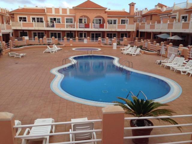 6 Bed, First Floor Apartment In A Secure Communal Residence With Pool In  Caleta De
